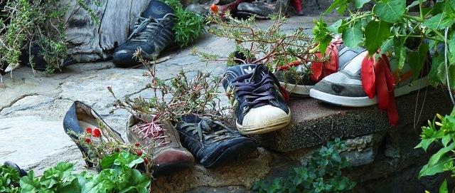 Die passenden Schuhe für Gartenarbeit