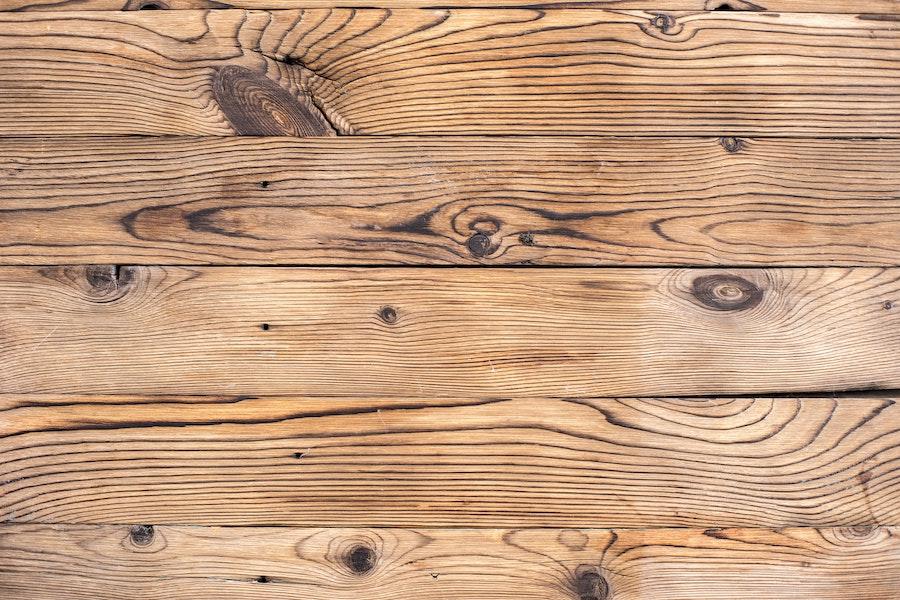 Holz bei der Gartengestaltung – schön, aber kurzlebig…oder?
