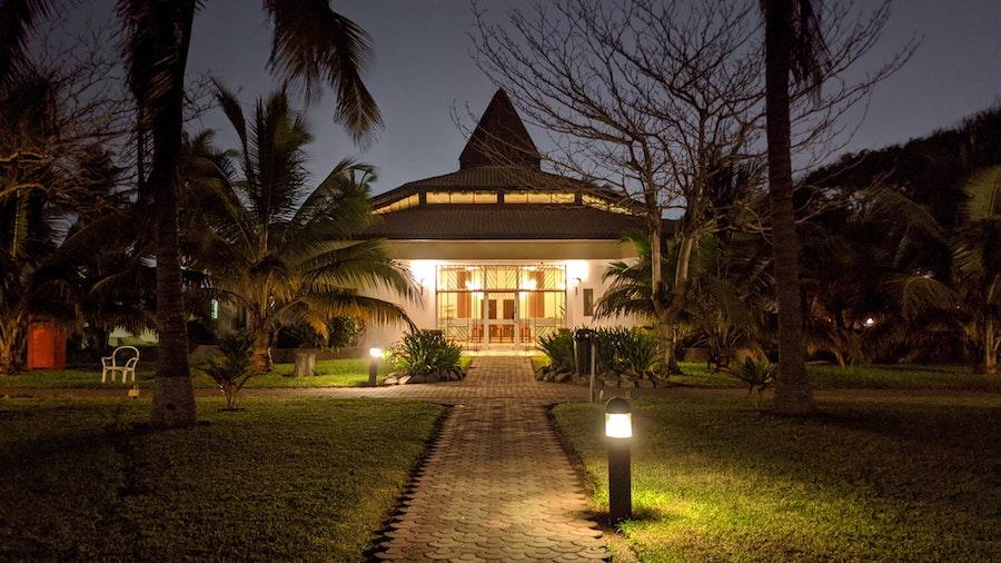 Die schönsten Stehlampen für deinen Garten